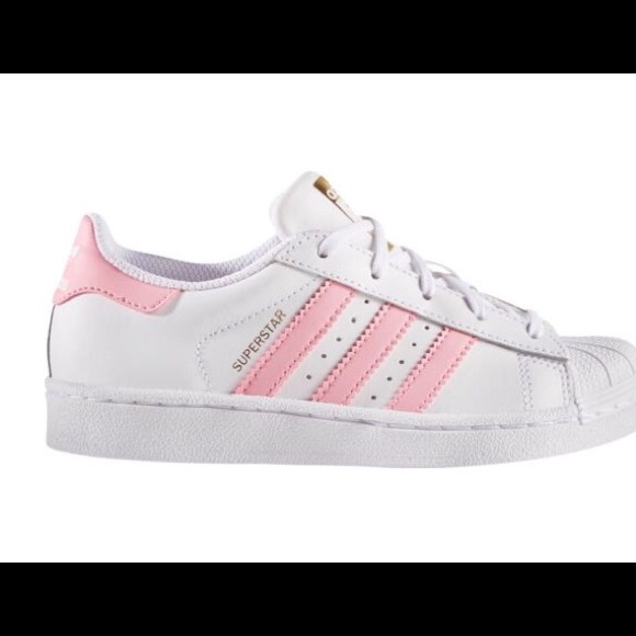 the latest 42a0a 44a8d Superstar adidas shoes